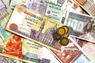 الدولار يرتفع قرشاً لليوم الثالث ويسجل 15.53 جنيه